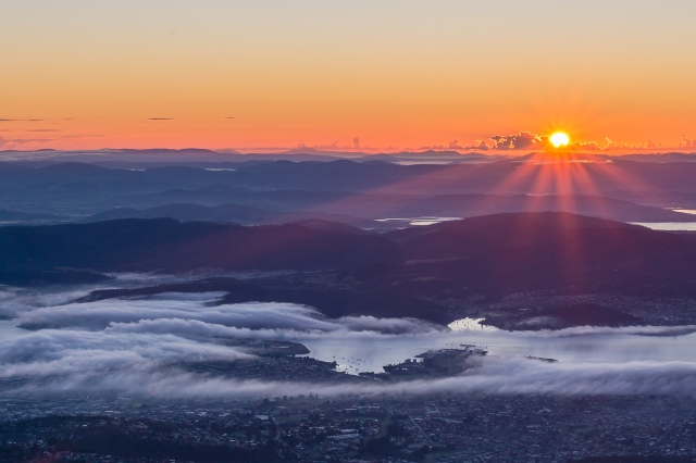 Sunrise from kunanyi / Mount Wellington