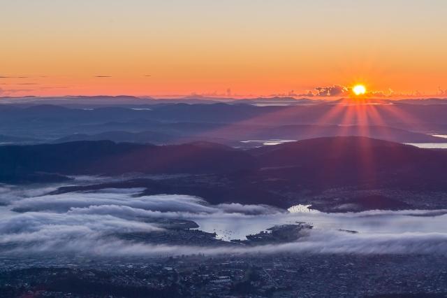 Sunrise from kunanyi / Mount Wellington